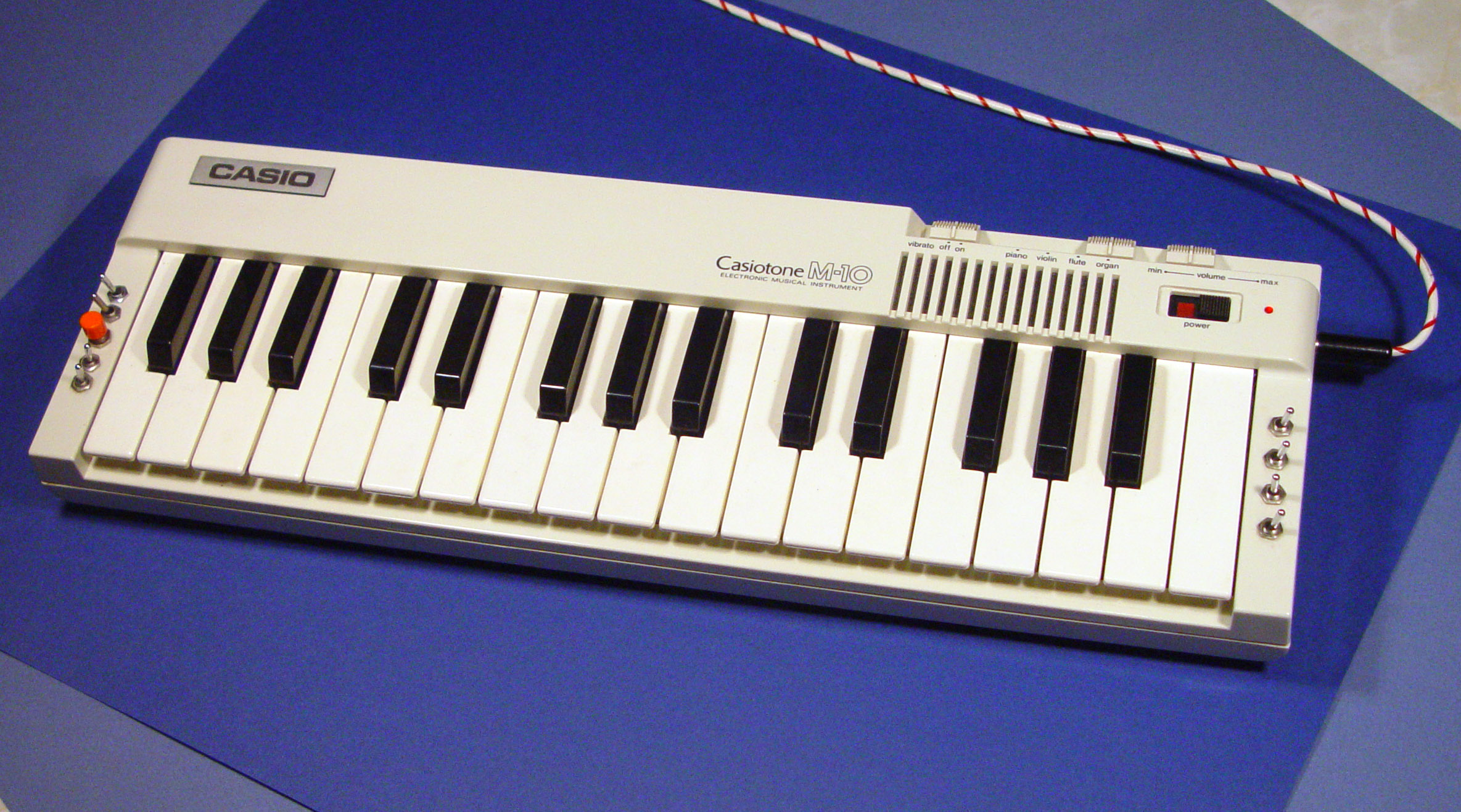 Modifications To Casio Musical Instruments From The 1980s Circuit Bending Keyboards Bigger Version M10 Big