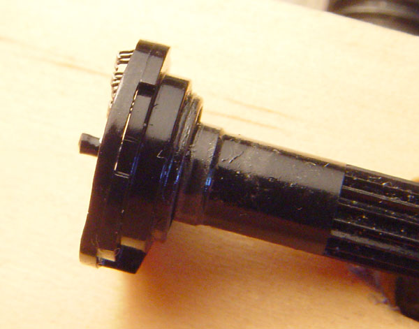 tb 303 potentiometersdownwards force on the shaft, which would otherwise be taken by the centre of the phenolic paper board which holds the resistive and conductive tracks